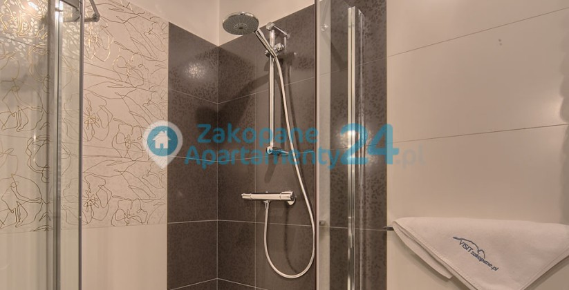 zakopane apartament prysznic w łazience