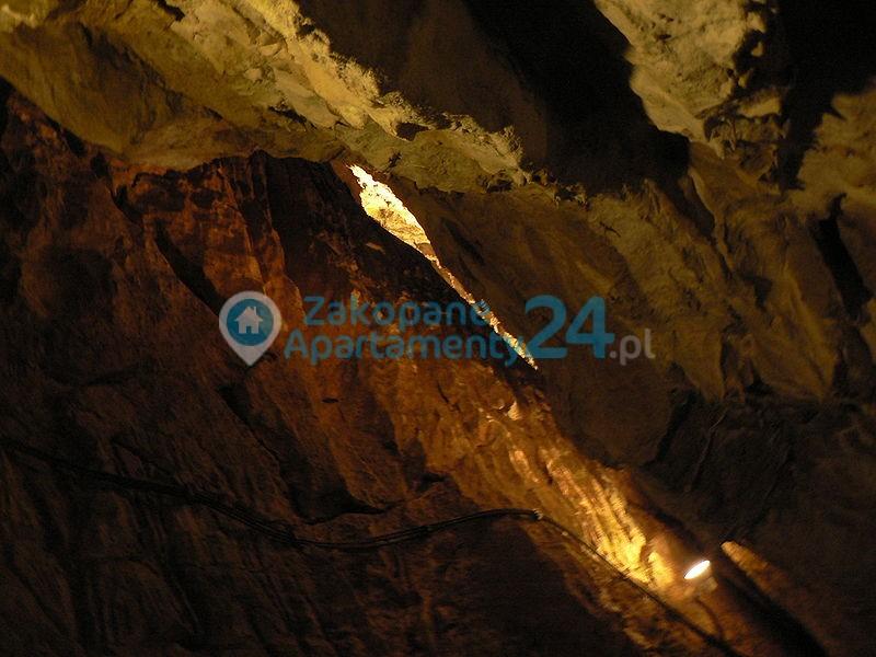 jaskinia mrożna w tatarach w dolinie Kościeliskiej
